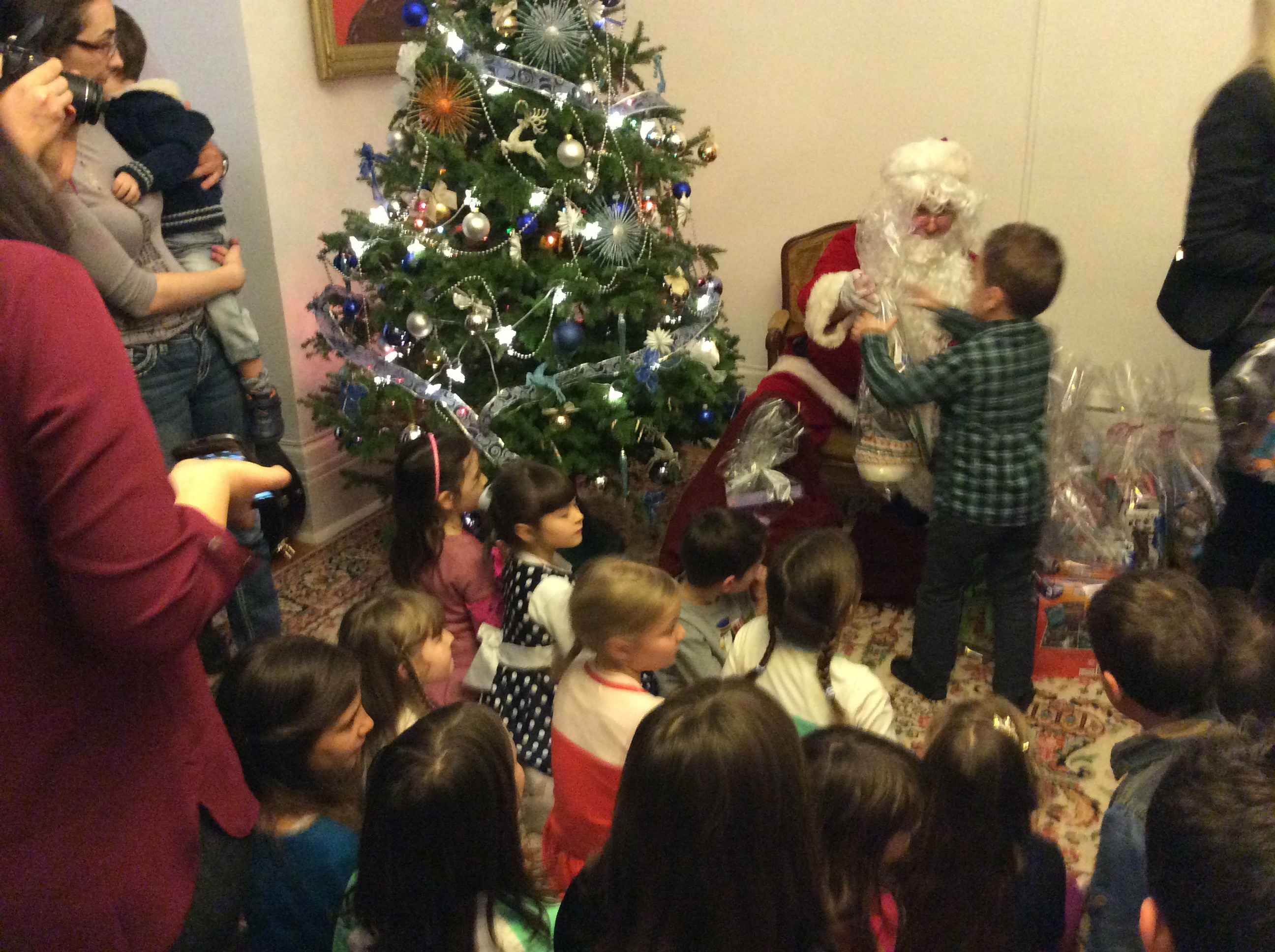 Embassy of the republic of serbia in canada at the embassy of the republic of serbia was held event for children on the occasion of the arrival of santa claus programme and presents were organized spiritdancerdesigns Choice Image